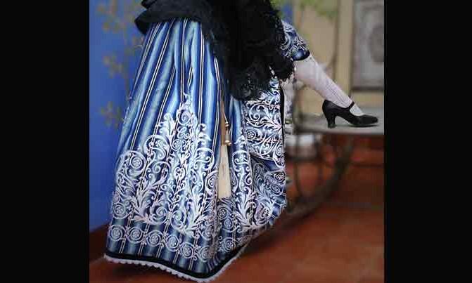 bordado falda traje villenera fiestas villena
